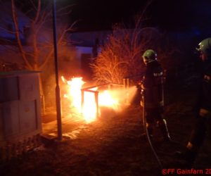 Brandeinsatz: Müllbehälterbrand