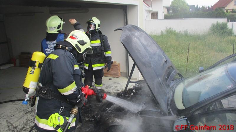 Brandeinsatz: Fahrzeugbrand