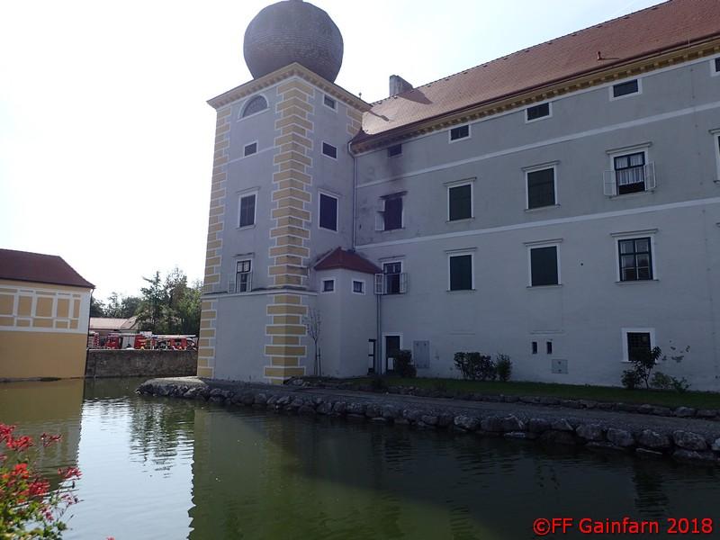 Brandeinsatz im Wasserschloss Kottingbrunn